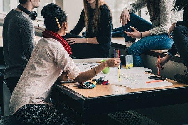 Laboratorio di gruppo: Nuove strategie per STUDIARE IN MODO EFFICACE gestendo paura e stress